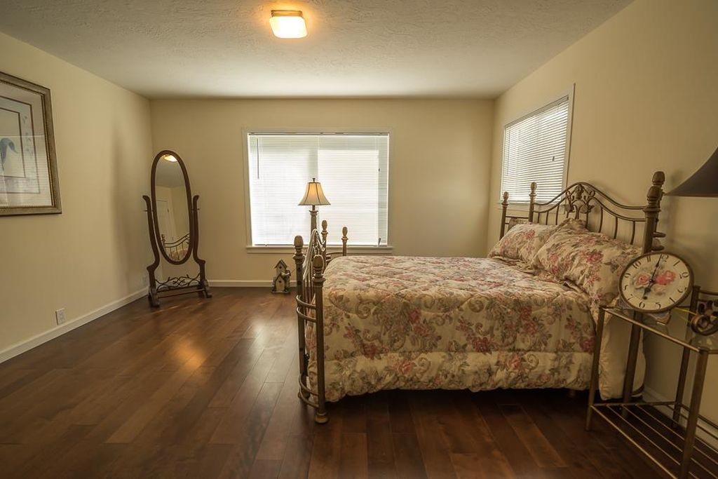 Home furniture staging furniture expo salinas for Furniture 4 less salinas